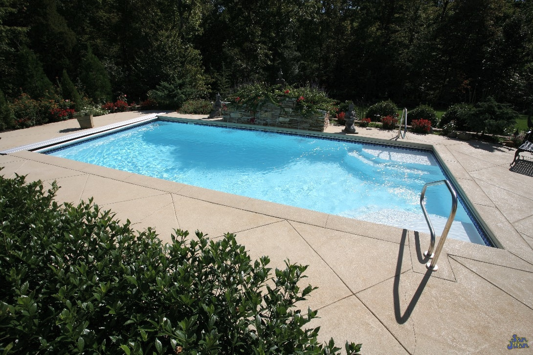 Meier 39 s outdoor world instant pool quote luxor deep for Deep swimming pools for garden